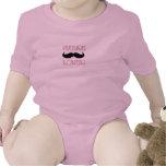 Bebé futuro del amante del bigote camisetas