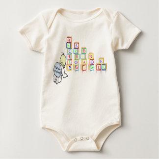 bebé futuro del archer con los bloques body para bebé