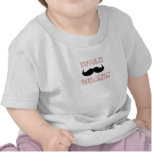 Bebé futuro del portador del bigote camisetas