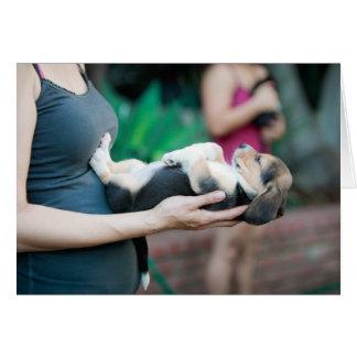 Bebé horizontal del beagle tarjeta de felicitación