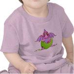 Bebé lindo del dragón en el huevo agrietado - camisetas