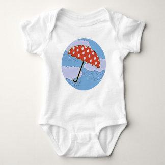 Bebé lindo del paraguas t shirts