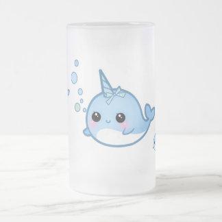 Bebé lindo narwhal taza de cristal