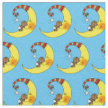 bebé lindo que duerme en cuarto de niños amarillo telas