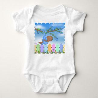 Bebé negro - enredadera del niño del patio trasero t-shirts
