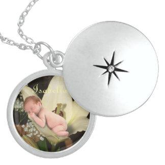 Bebé personalizado de la flor medallón