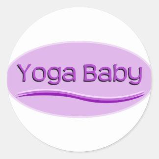 Bebé púrpura de la yoga etiquetas redondas