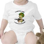Bebé que acampa camisetas