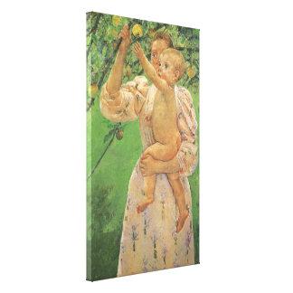 Bebé que alcanza para Apple de Mary Cassatt Impresiones En Lona