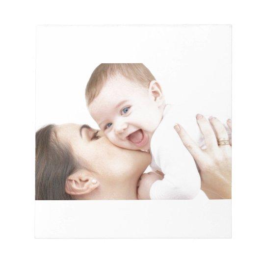 ¡Bebé que consigue un beso! Bloc De Notas