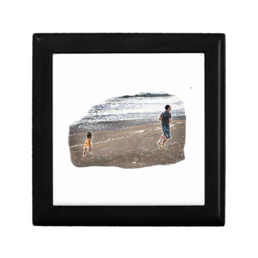 Bebé que persigue al hombre en arte de la playa joyero cuadrado pequeño