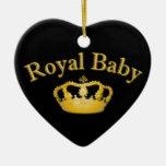 Bebé real con la corona de oro ornamente de reyes