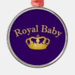 Bebé real con la corona de oro ornatos