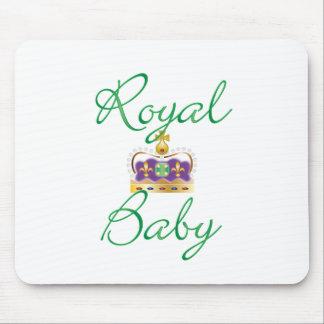 Bebé real con púrpura y la corona del oro tapetes de ratón