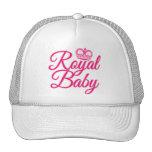 Bebé real en rosa con la corona gorras