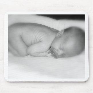 Bebé recién nacido alfombrillas de ratón
