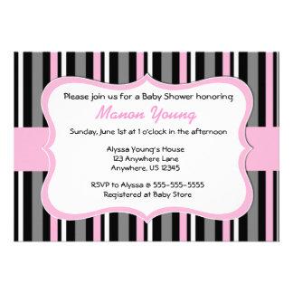 Bebé rosado negro de la raya o invitación nupcial