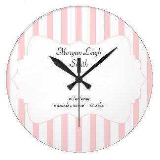 Bebé rosado y blanco de la raya reloj de pared
