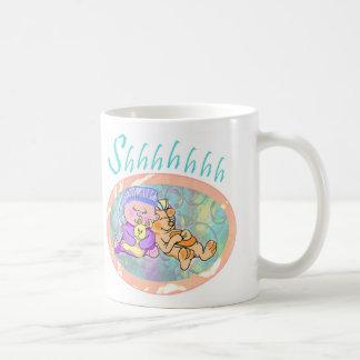 Bebé soñoliento taza