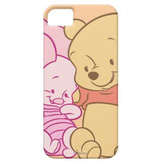 Bebé Winnie the Pooh y abrazo del cochinillo iPhone 5 Carcasa