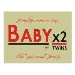 """Bebé x 2, orgulloso anunciando, el """"su nombre"""" f… tarjeta postal"""