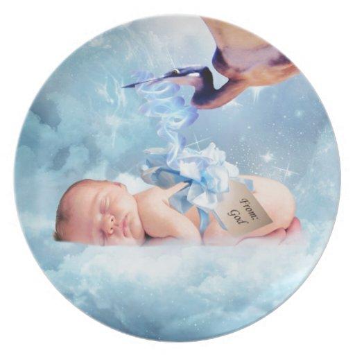 Bebé y cigüeña de la fantasía platos para fiestas