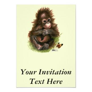 """Bebé y mariposa del orangután invitación 5"""" x 7"""""""
