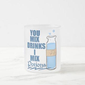 Bebedor de la poción taza de cristal