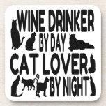 Bebedor del vino del amante del gato posavasos de bebida