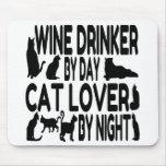 Bebedor del vino del amante del gato alfombrilla de ratones