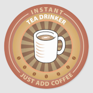 Bebedor inmediato del té pegatina redonda