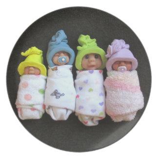 Bebés de la arcilla: Esculturas de arcilla del pol Plato De Cena