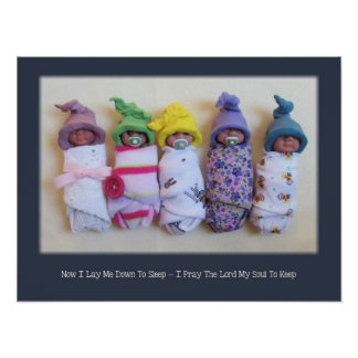 Bebés del paquete de la arcilla, rezo de la hora d póster
