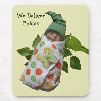 Bebés en arcilla: Partera, doctores: Entregue al b Tapetes De Ratón