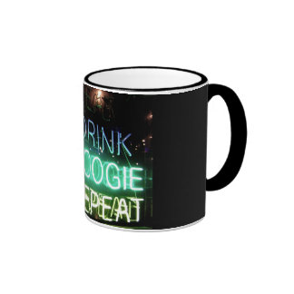 ¡Bebida, boogie, repetición! Taza A Dos Colores