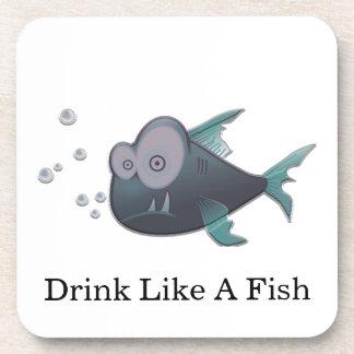 Bebida como un pescado posavasos de bebidas