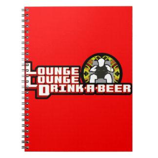 Bebida de lujo del salón del salón una cerveza cuaderno