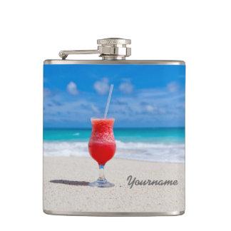 Bebida en el frasco del personalizado de la playa