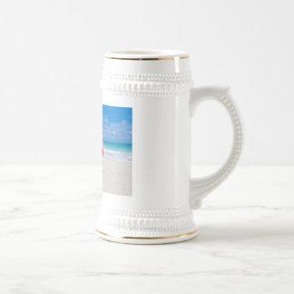 Bebida en la playa tazas de café