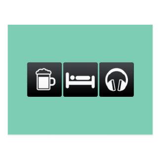 Bebida, sueño y auriculares tarjetas postales