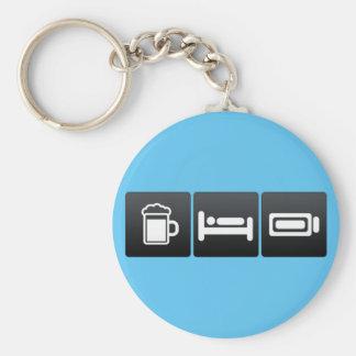 Bebida, sueño y baterías completamente cargadas llavero redondo tipo pin