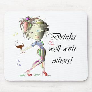 Bebidas bien con otras arte divertido del vino tapetes de ratones
