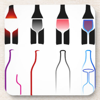 Bebidas espirituosas de las botellas y de los posavasos de bebidas