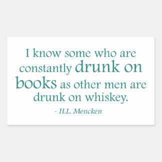 Bebido en los libros pegatina rectangular