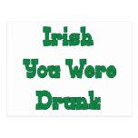 Bebieron a los irlandeses sus postales
