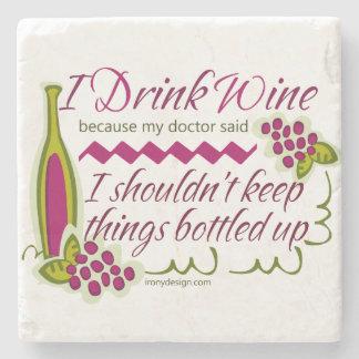 Bebo cita divertida del vino posavasos de piedra