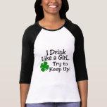 Bebo como un intento del chica para continuar el t camiseta