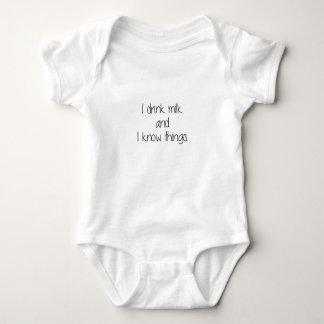 Bebo la leche y sé cosas body para bebé