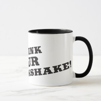 Bebo su milkshake allí seré sangre taza