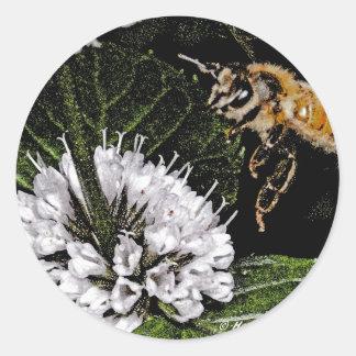 bee a classic round sticker